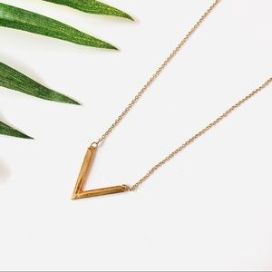 Jewelry - Gold V Pendant Necklace